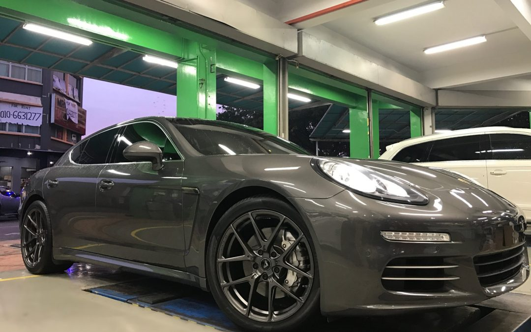 "A Monday would never be complete without a Vorsteiner feature and here's a Porsche Panamera Equipped With ORIGINAL VORTEINER VFF-101 USA 20"" Wheels and PIRELLI PZERO RUBBER 20"" Tyres.#vorsteiner #vorsteinerwheels #vorsteineraero #vorsteinerme #vorsteinervff #vorsteinermalaysia #vff101 #wheels #rims #porsche #panamera"